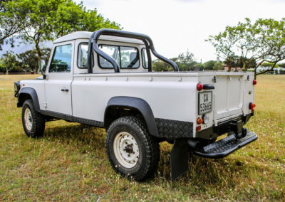 Land Rover Defender 2005 cream AS 2017-011