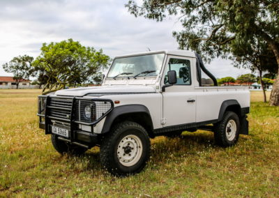 Land Rover Defender 2005 cream AS 2017-019