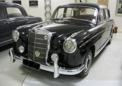 Mercedes 220S 1959 Sedan Black AS