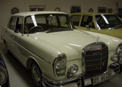 Mercedes 220SE 1964 Fintail Seafoam white AS