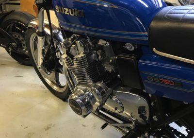 Suzuki Cafe Racer style 750cc blue AS 1