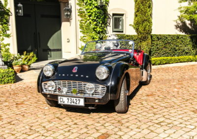 Triumph TR3 1959 convertible black red interior AS 4