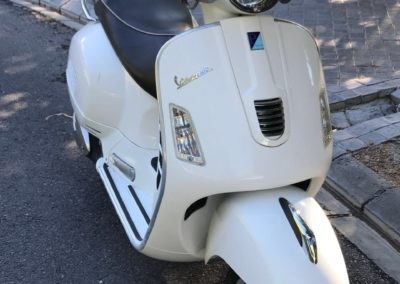 Vespa Scooter GTS 300 Super White AS 1