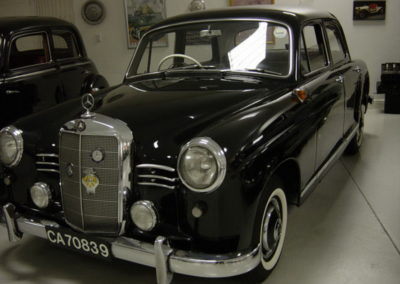 Mercedes 180 Ponton Black AS-1