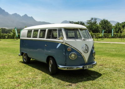 VW Bus Series 4 Blue and White AS-1_1