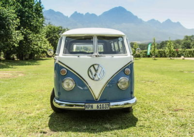 VW Bus Series 4 Blue and White AS-2_1