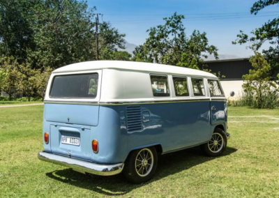 VW Bus Series 4 Blue and White AS-4_1